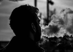 你为何在我这里抽烟